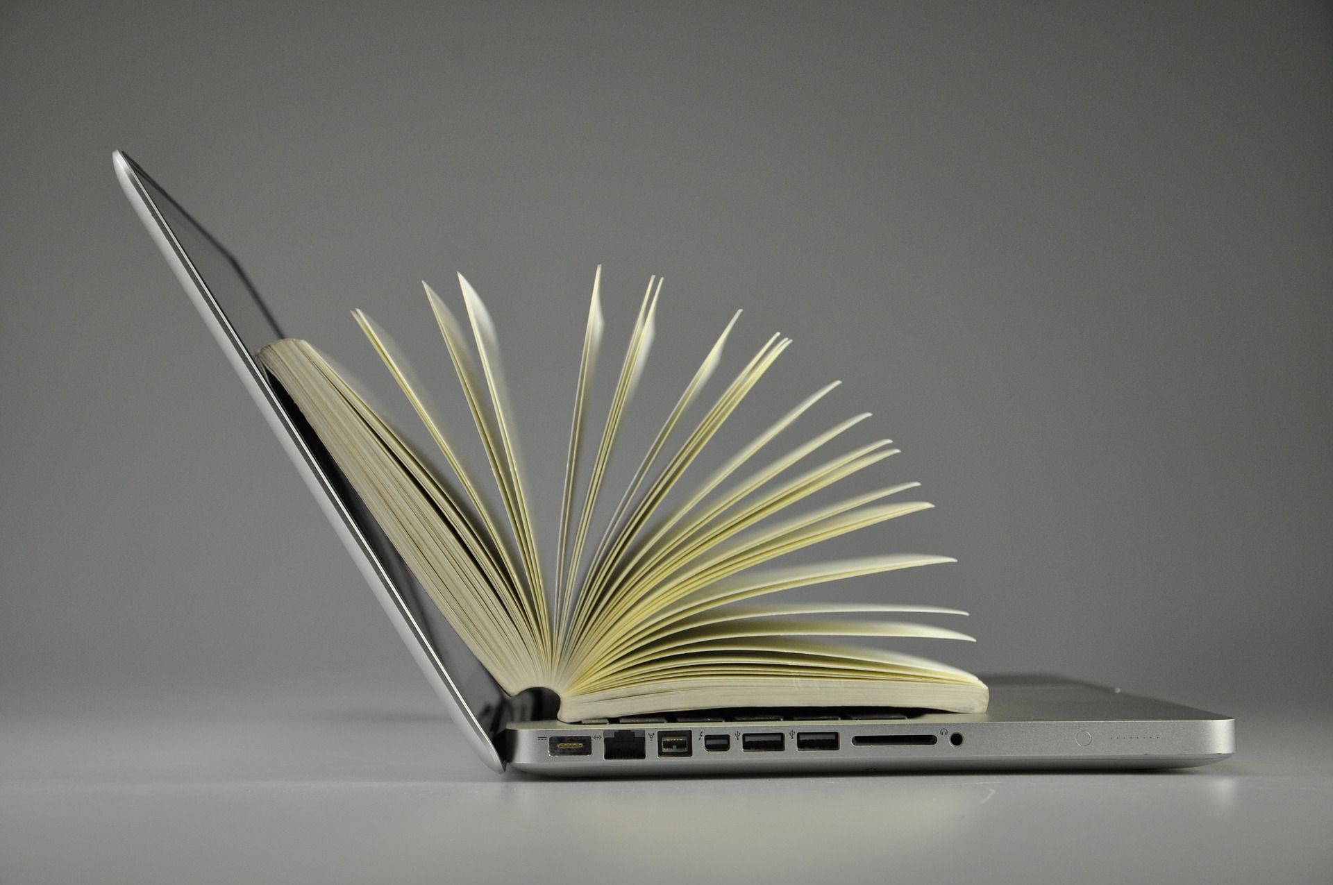Онлайн сервіси, які полегшать життя бізнесу